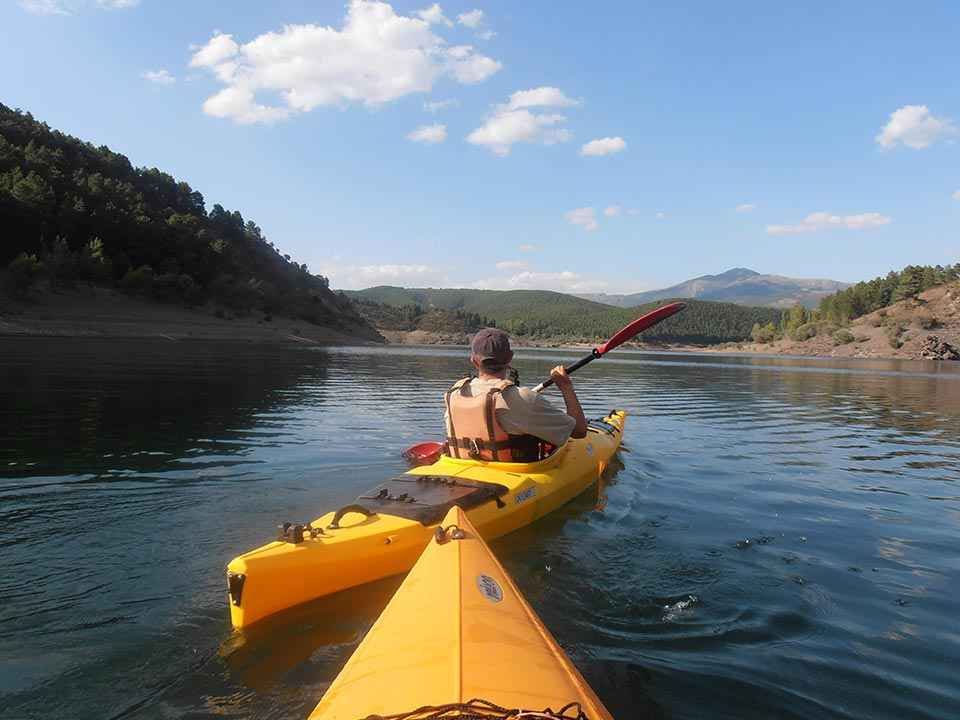 Descenso de Ríos, recorridos en aguas tranquilas... Actividades de Agua de Natural Mountain